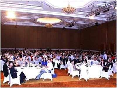 Giải thưởng tôn vinh doanh nhân Việt và tọa đàm xu thế kinh tế mới